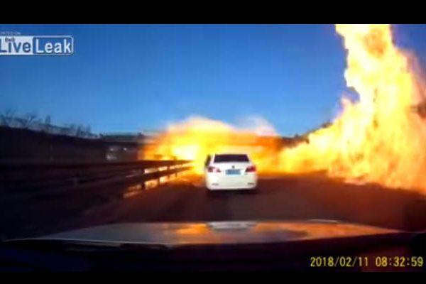 Auto se incendia