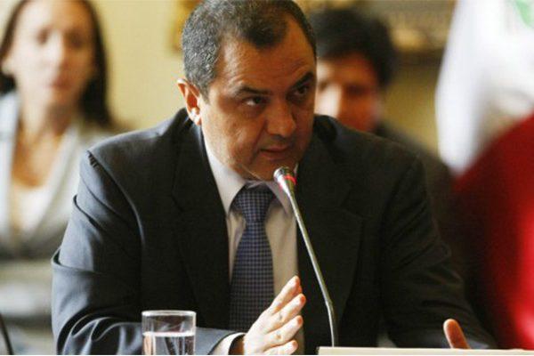 Carlos Oliva, ministro de Economía y Finanzas
