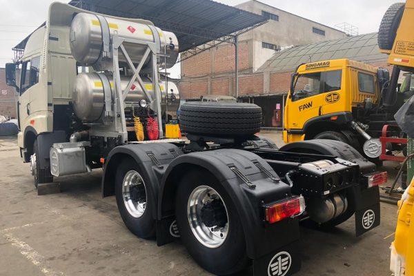 Camión de GNL en el Perú