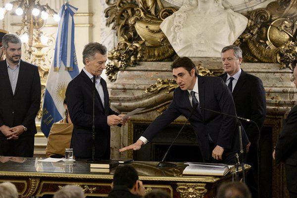 Renuncia el secretario de Energía de Argentina