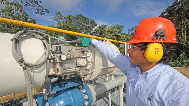 Perú y Bolivia negocian en el sector de hidrocarburos